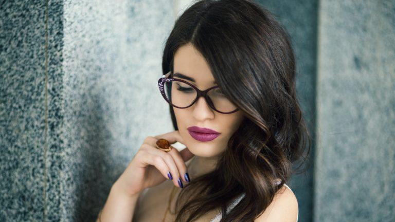 makijaż podokulary - makijaż dla okularnicy